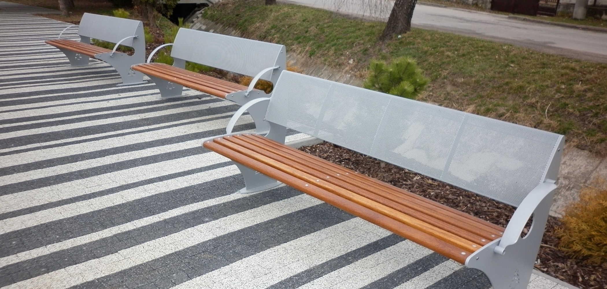 Panchina curva lucky metalco for Panchine da giardino ikea