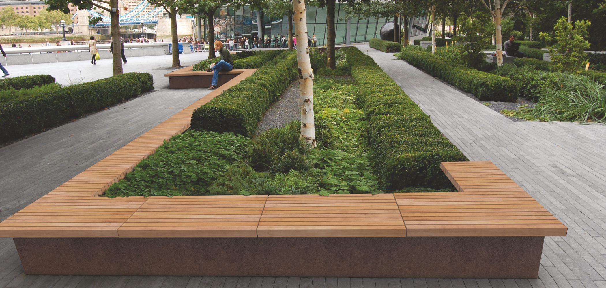 Grandifioriere Seating And Planters Metalco
